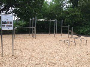 Hochwertiger individueller Calisthenics Park in Oldenburg. Aus rostfreiem Edelstahl.